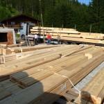 Bautag 23 - 23.7. - Anlieferung Blockhaus auf 4 Tieflader